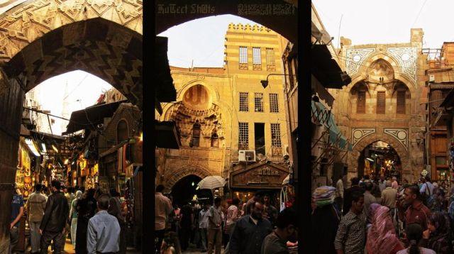 800px-Flickr_-_HuTect_ShOts_-_Khan_El-Khalili_Street_شارع_خان_الخليلي_-_Cairo_-_Egypt_-_09_04_2010