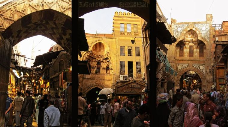 800px-Flickr_-_HuTect_ShOts_-_Khan_El-Khalili_Street_شارع_خان_الخليلي_-_Cairo_-_Egypt_-_09_04_2010